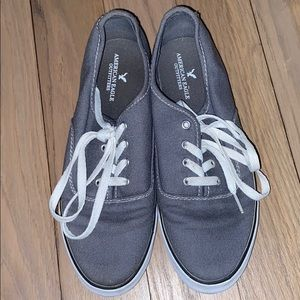 American Eagle Gray Lace Up Sneakers